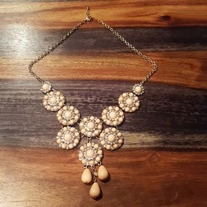 FOREVER 21 PEACHY PINK JEWELED NECKLACE